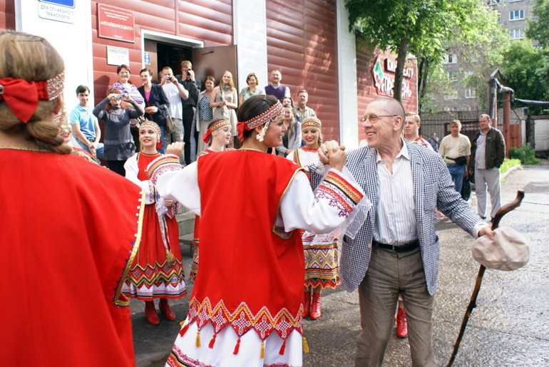 valerij-zolotuxin-lyubite-menya-takim-kakoj-ya-est_3
