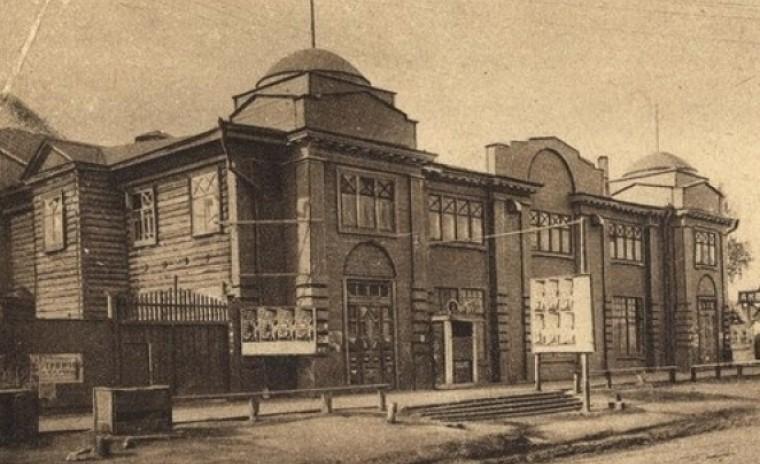 В Омске отмечают 120-летие первого киносеанса