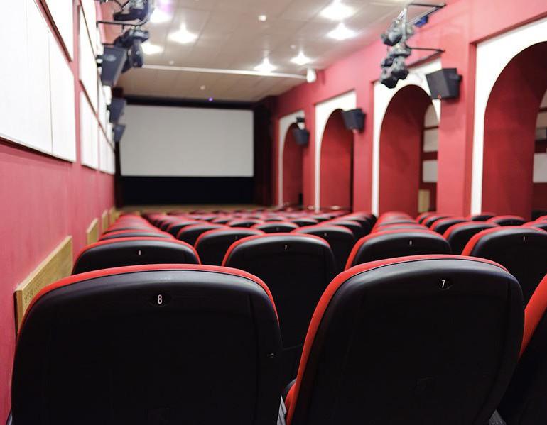 В кинотеатре «Юность» покажут документальный фильм об Октябрьской революции