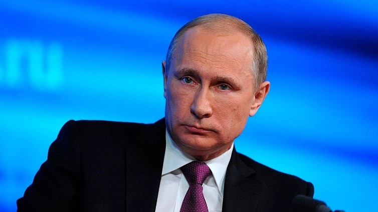 Путин поручил разработать новые механизмы поддержки кино