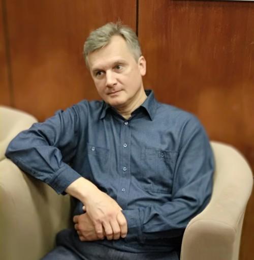 Киновед Александр Семенюк