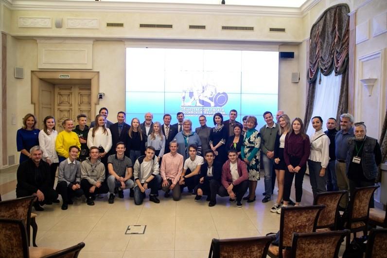 В Общественной палате РФ 9 октября прошел круглый стол «Научная мысль русского зарубежья в документальном кино»