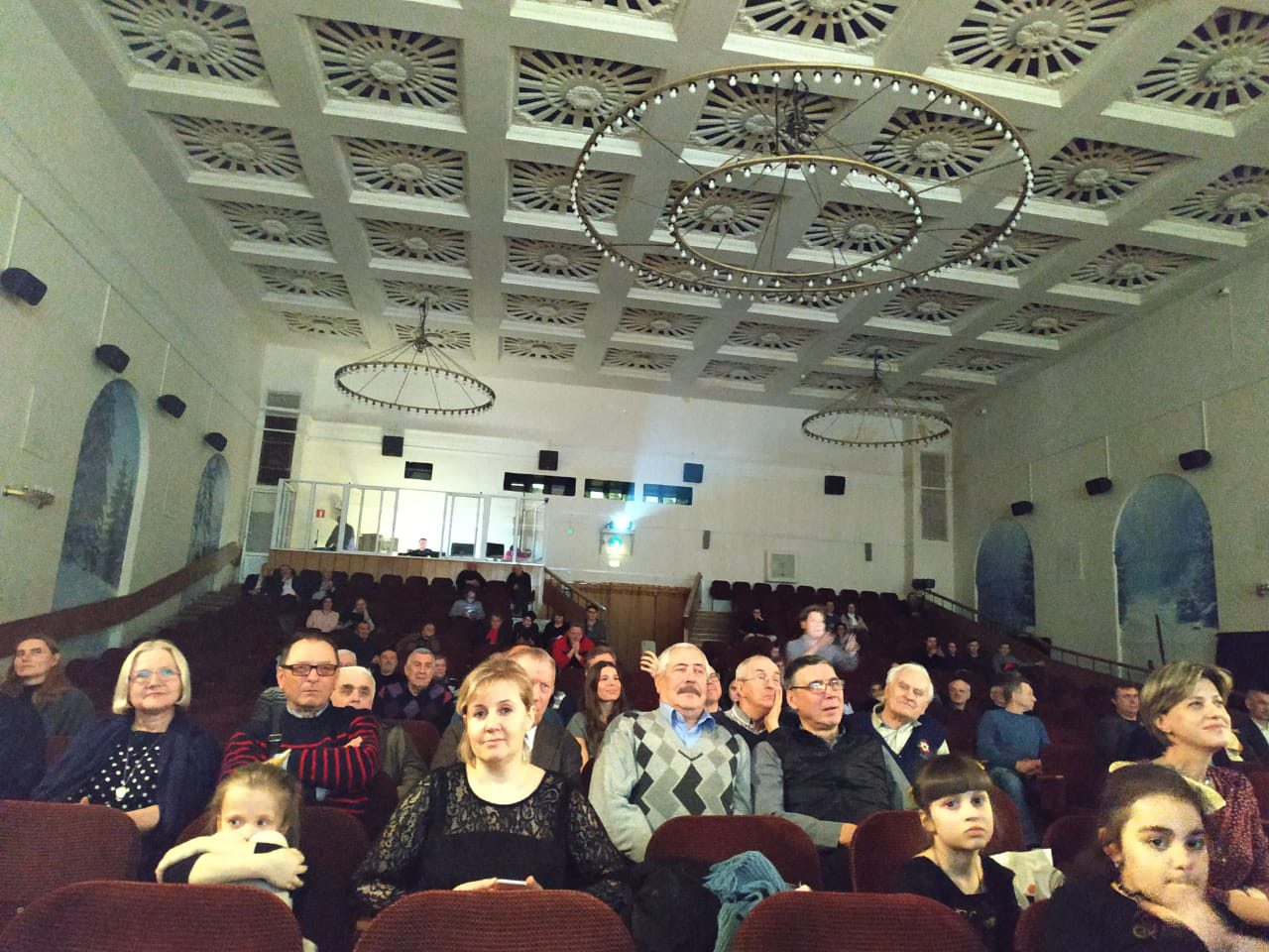 Ассоциация документального кино провела премьерный показ документального фильма «ПОЛЕТ ЧЕМПИОНА». Автор сценария Герман Климов, режиссер Сергей Головецкий.