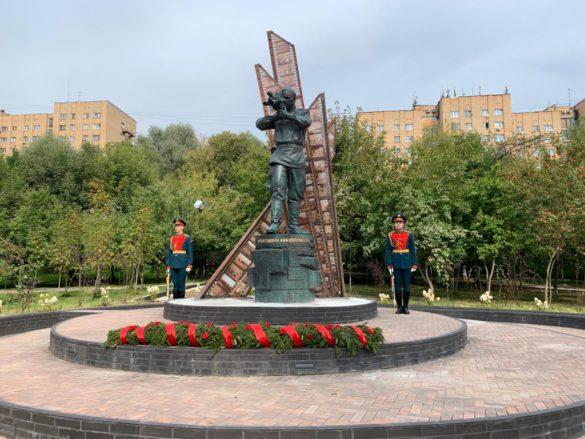 Открытие монумента фронтовому кинооператору в Красногорске.
