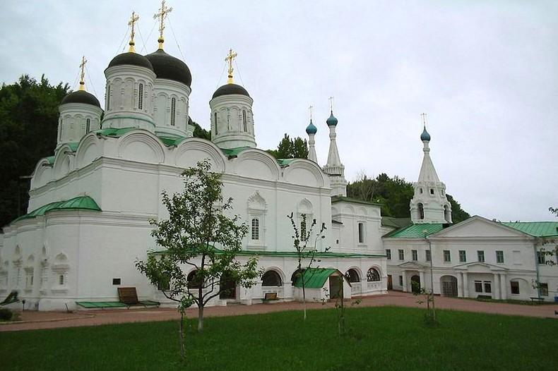 Действительные члены Нижегородского отделения ИППО начали съемки фильма к 800-летию Нижегородского Благовещенского монастыря
