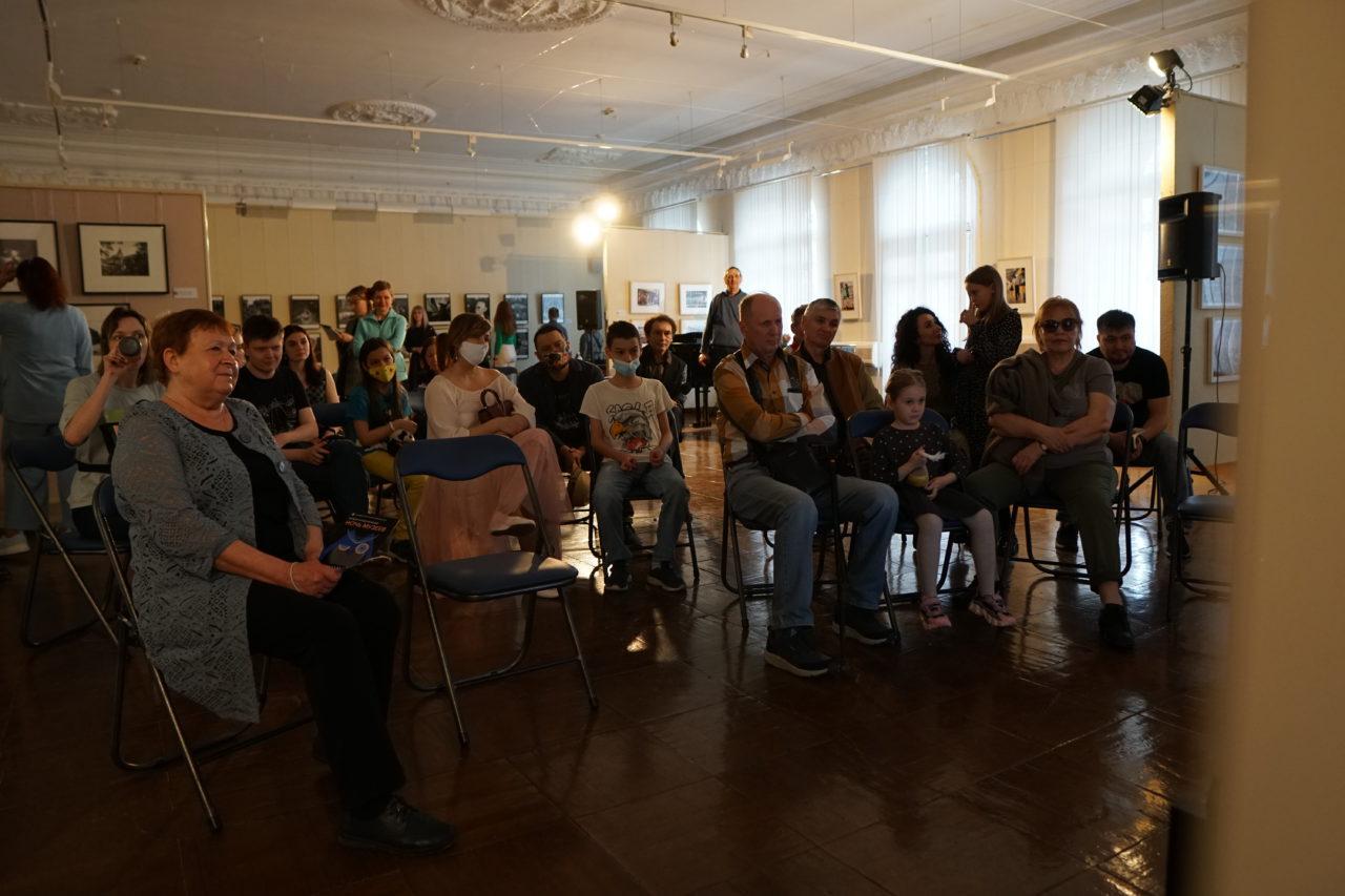 Хабаровск. Премьера фильма «Тропою сказочной иду…»